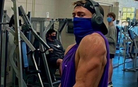 Senior escapes stress through weightlifting