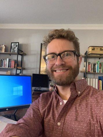 Spanish teacher Robert Helwig shows his virtual teaching set-up for his class.