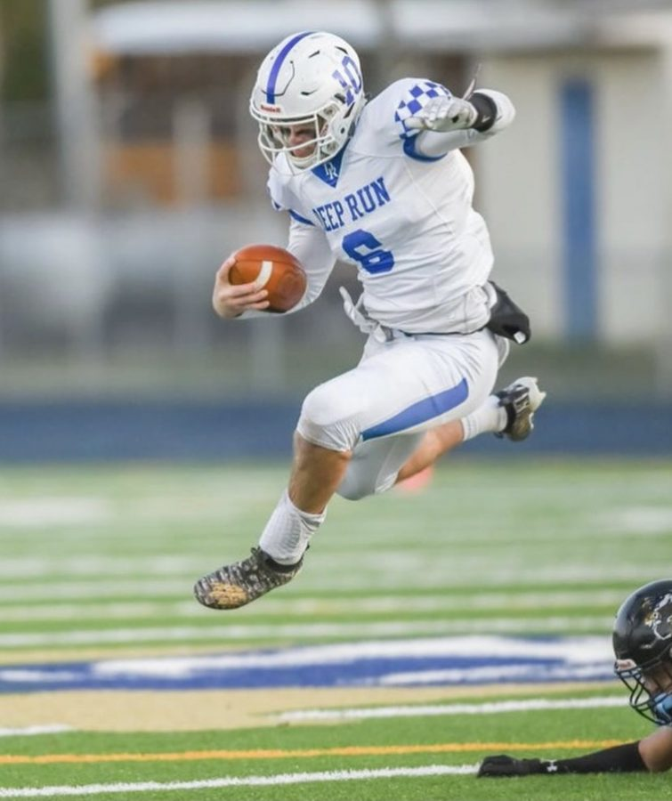 Senior quarterback Bo Kite in action.